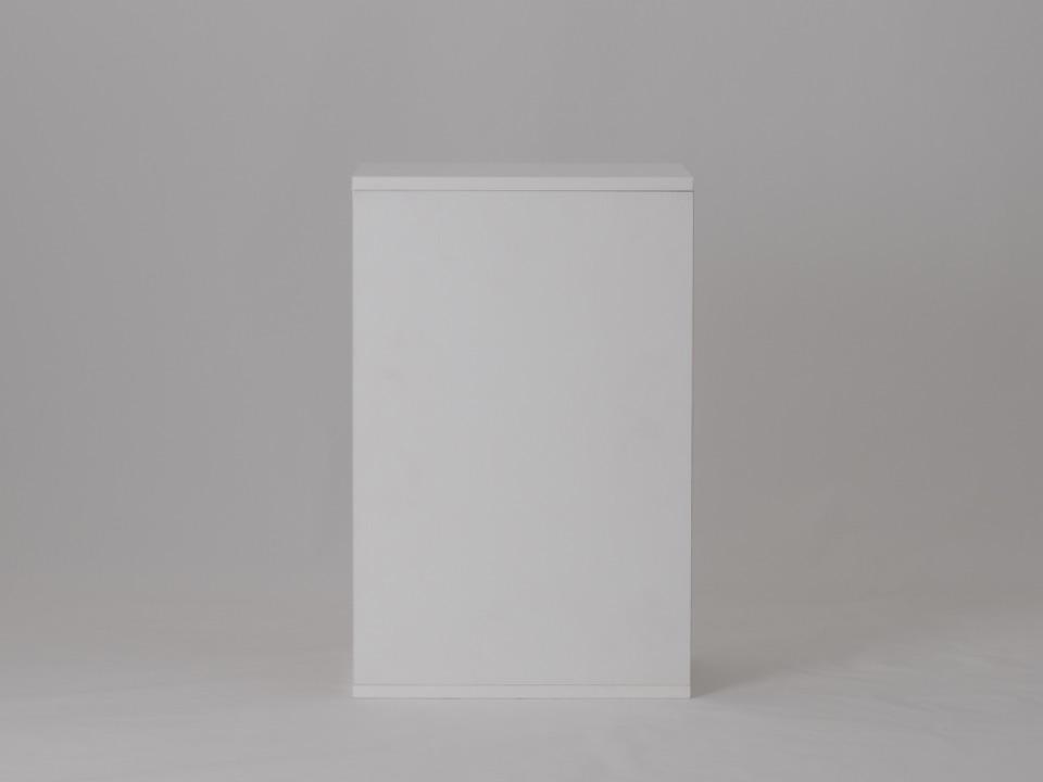 Milk White - 幅:23cm / 高さ:48cm / 奥行: 30cm
